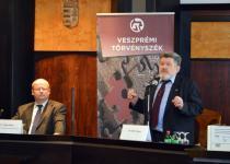 Dr. Varga Gábor jelenlegi és dr. Kahler Frigyes korábbi kollégiumvezető