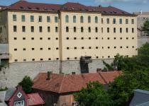 A várbörtön épülete a Jókai utca felől